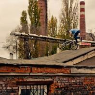Футвип на крыше сарая